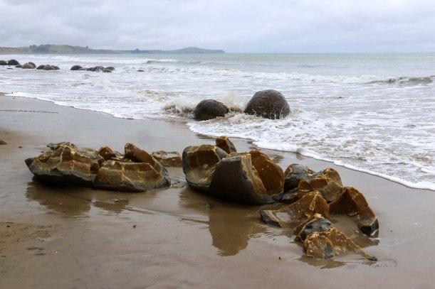NZ Moeraki boulders inside
